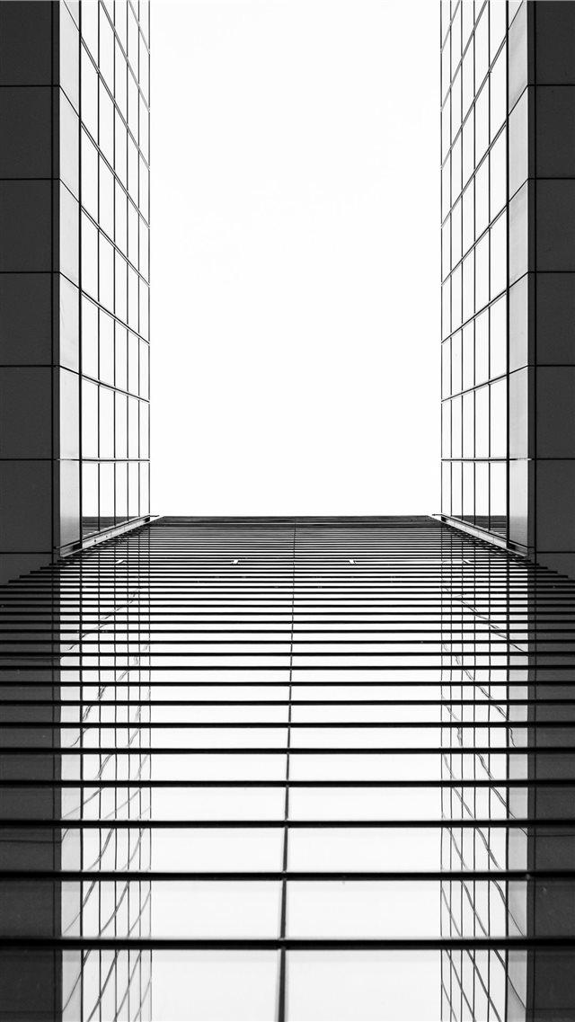 Perspective Iphone 8 Wallpaper - Iphone Perspective Building , HD Wallpaper & Backgrounds