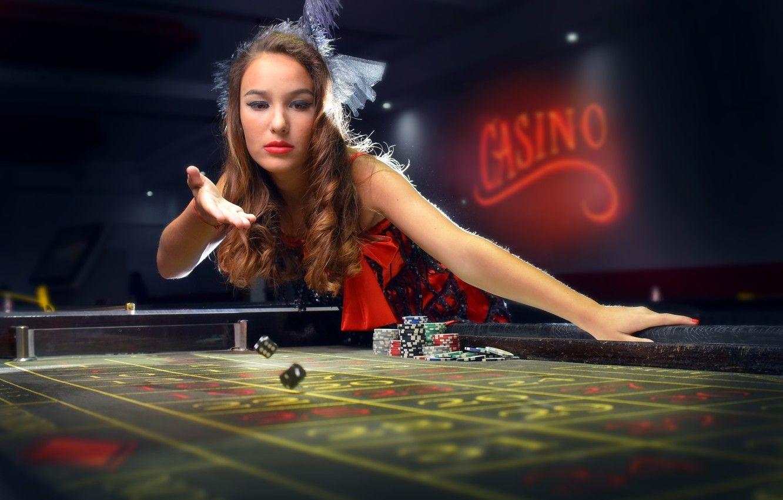 Casino Girl (#2915660) - HD Wallpaper & Backgrounds Download