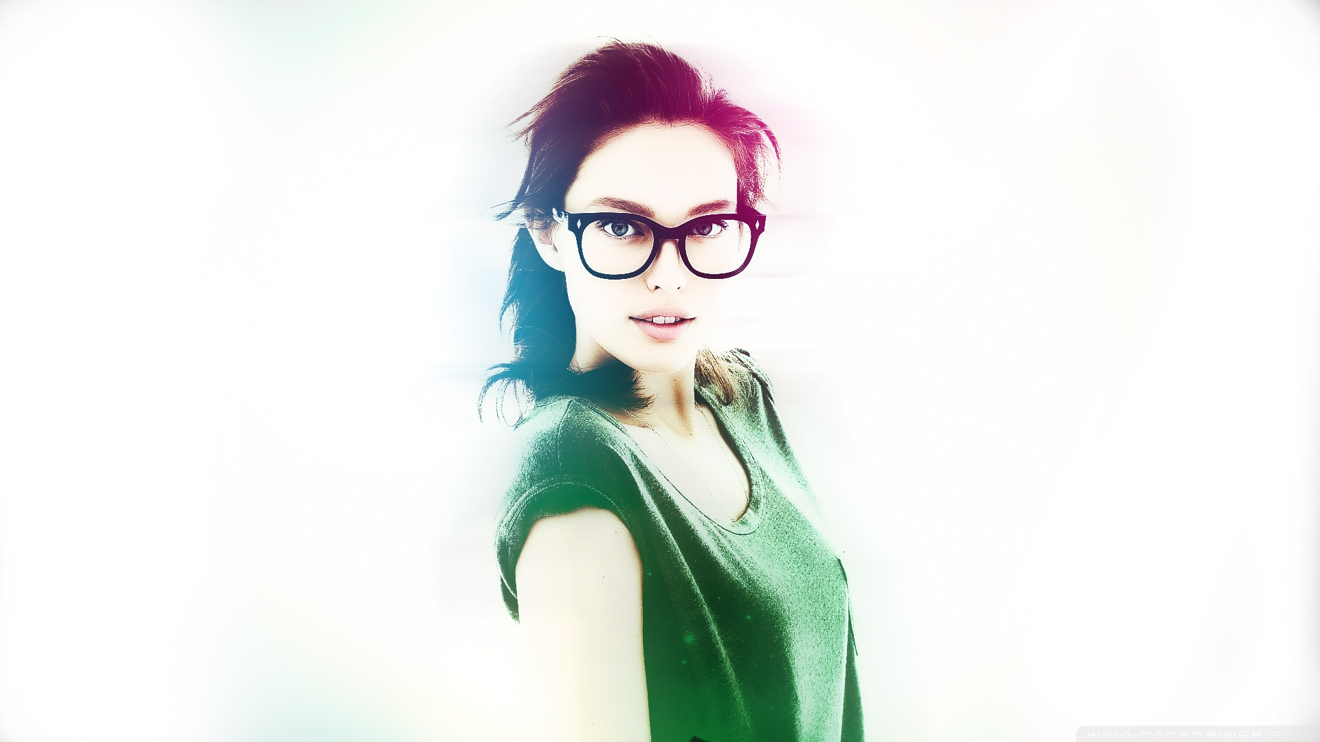 Related Wallpapers - Girl With Glasses Hd , HD Wallpaper & Backgrounds