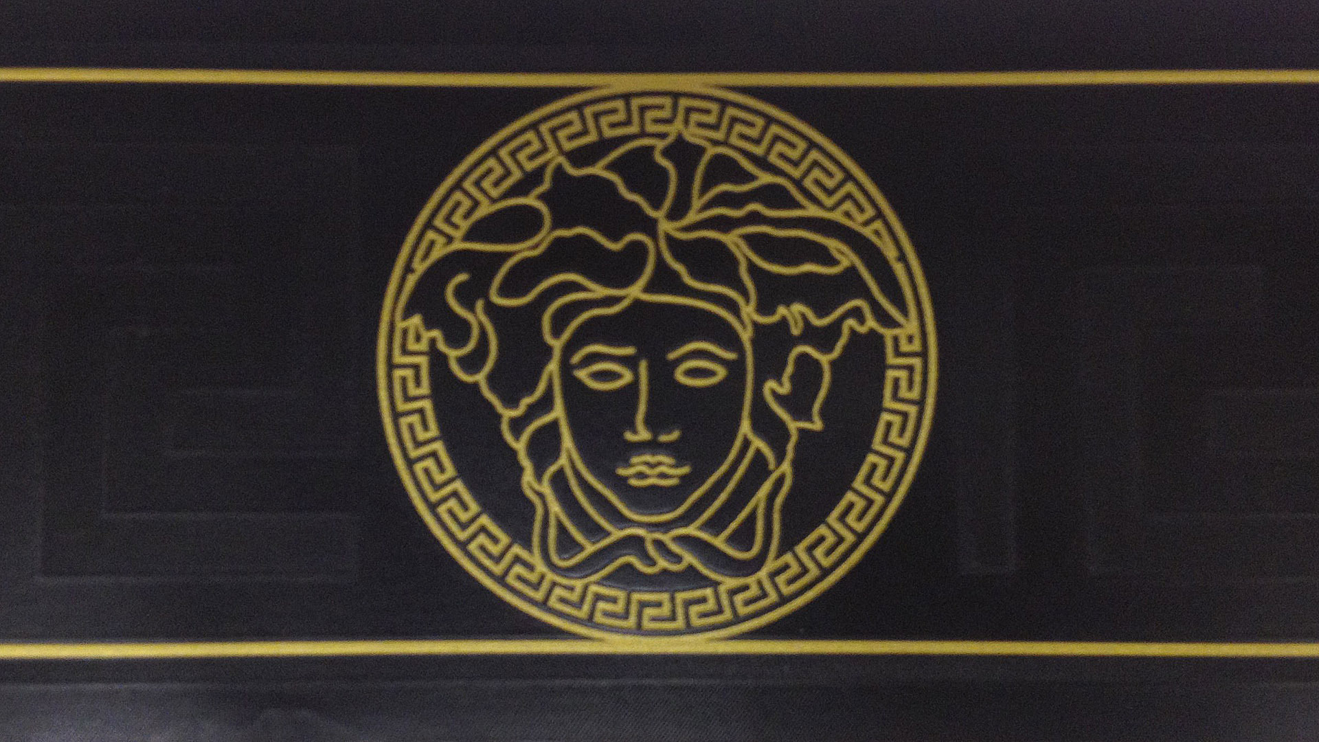 Versace Wallpaper Versace Gold Wallpaper Hd 39161 Hd Wallpaper Backgrounds Download