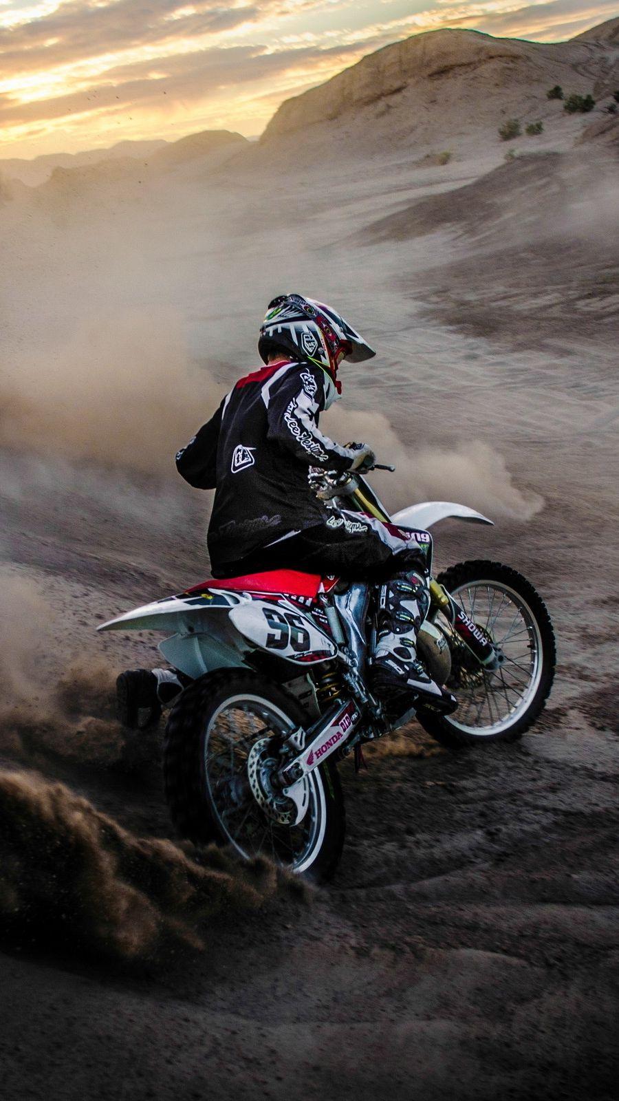 Motocross Mudding Iphone Wallpaper - Iphone Bike Wallpaper Hd , HD Wallpaper & Backgrounds