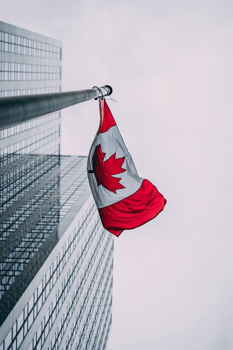 Wallpaper Flag, Canada, Buildings, Skyscrapers, Flagpole - Iphone Canada Flag Wallpaper Hd , HD Wallpaper & Backgrounds