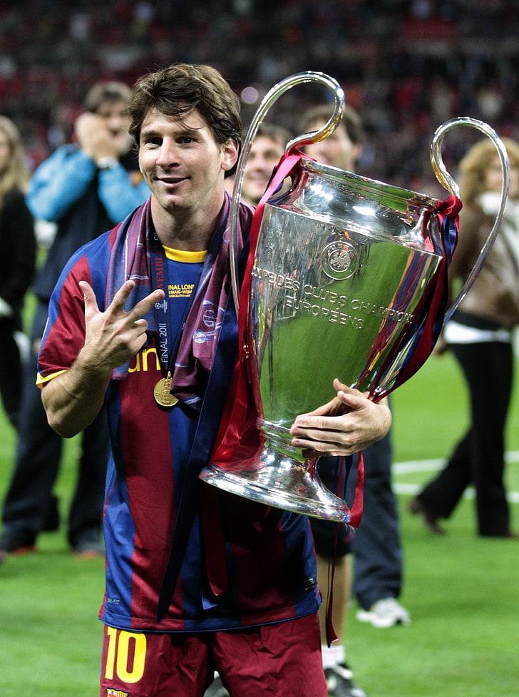Lionel Messi Champions Fc Barcelona Wembley Champions - Messi With Champions League Trophy , HD Wallpaper & Backgrounds