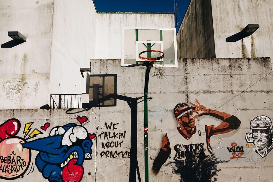 Allen Iverson Of Sixers Graffiti Wall, Art, Basketball - Urban Basketball Court Art , HD Wallpaper & Backgrounds