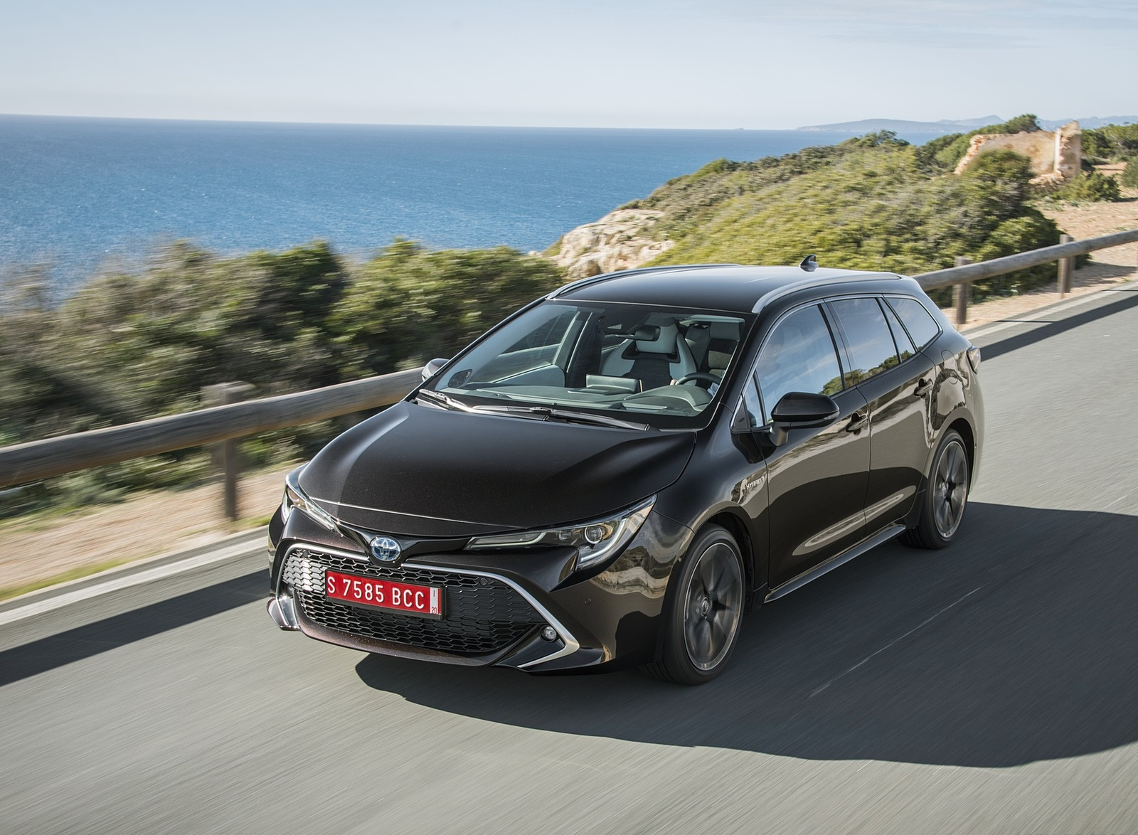 2019 Toyota Corolla Touring Sports - Toyota Corolla Touring Sports 2019 Ground Clearance , HD Wallpaper & Backgrounds