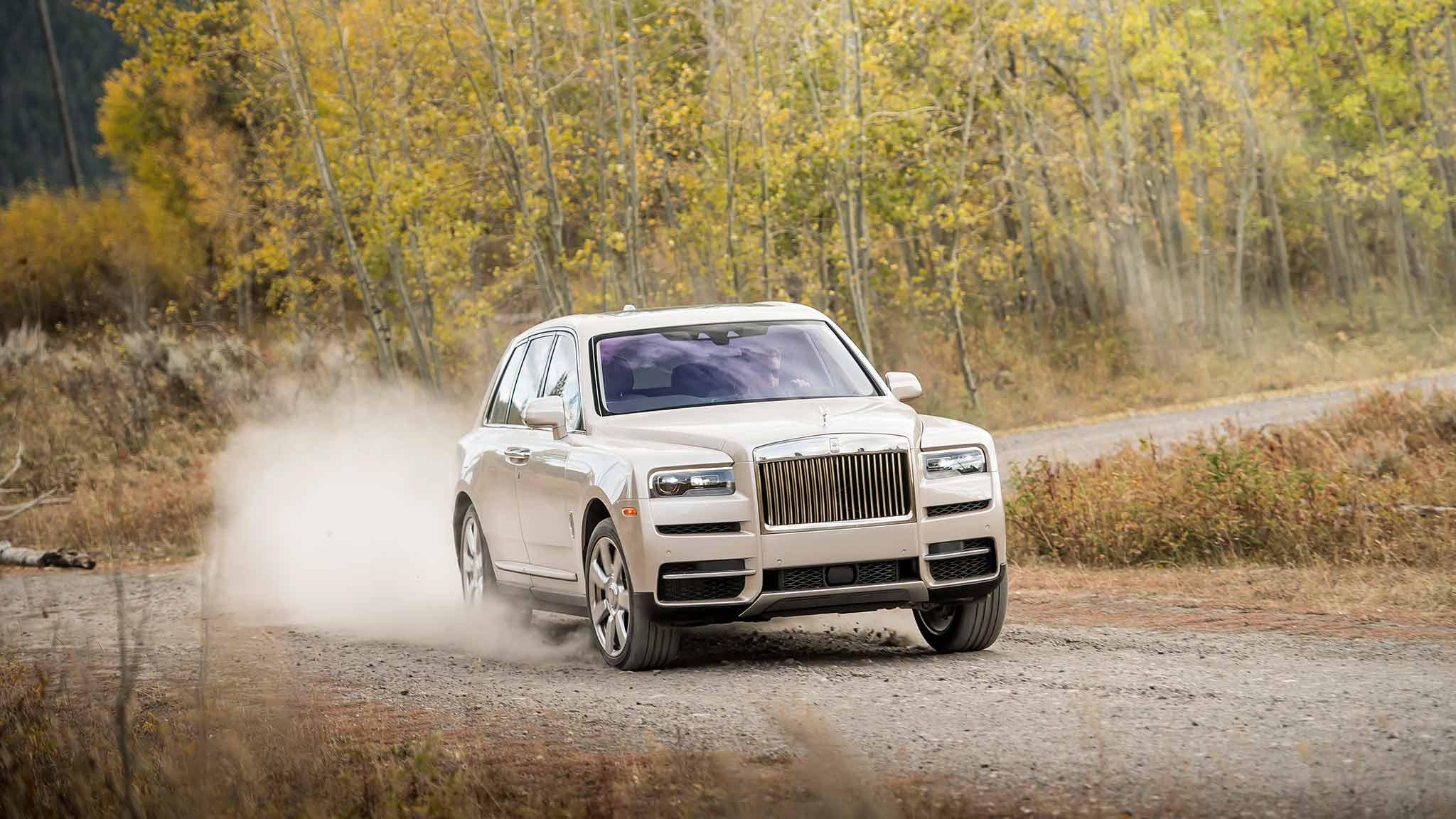 2019 Rolls Royce Cullinan Off Road Wallpapers Rolls Royce Cullinan Petra Gold 3155766 Hd Wallpaper Backgrounds Download