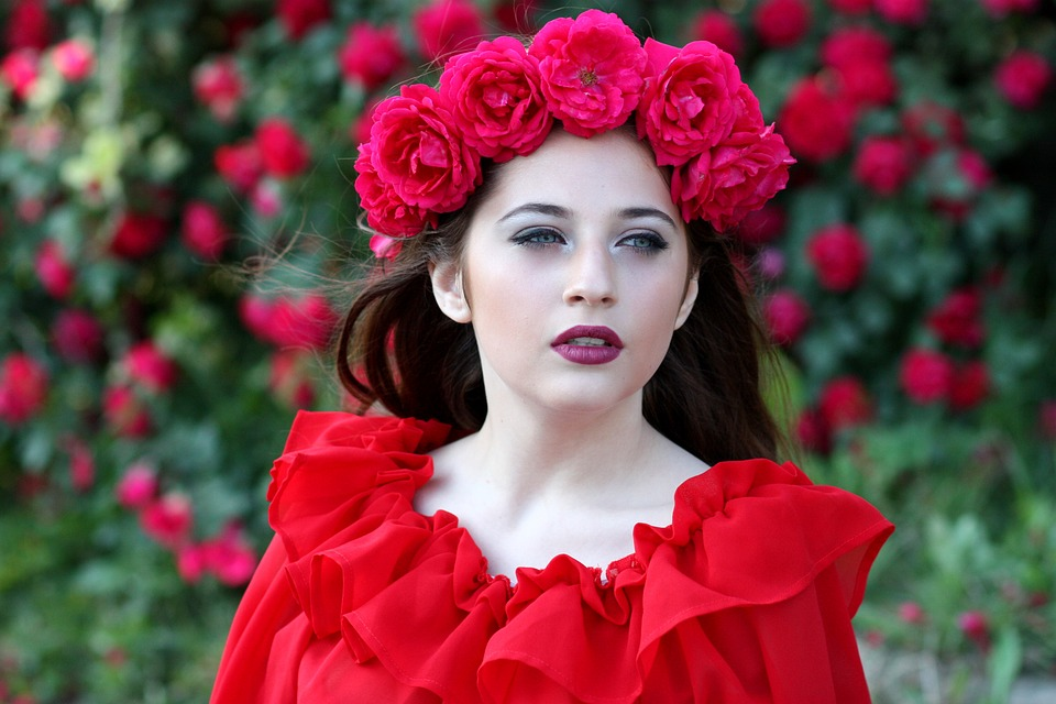 Grande Beautiful Girl Beautiful For Facebook Profile Red Rose Wallpaper Flower 327080 Hd Wallpaper Backgrounds Download
