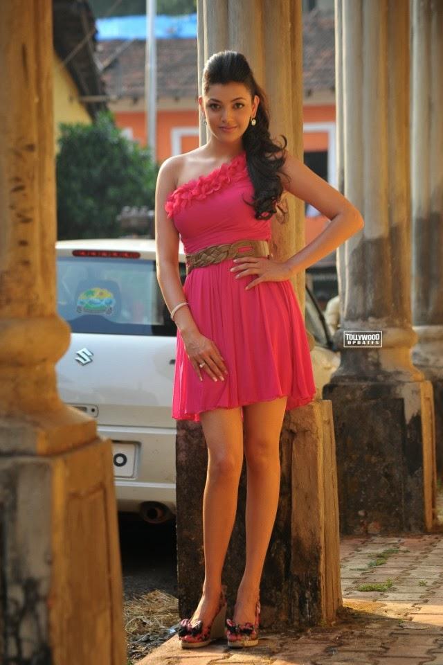 Indian Beautiful Girls Wallpapers Mobile Free Download - Kajal Agarwal Short Dress , HD Wallpaper & Backgrounds