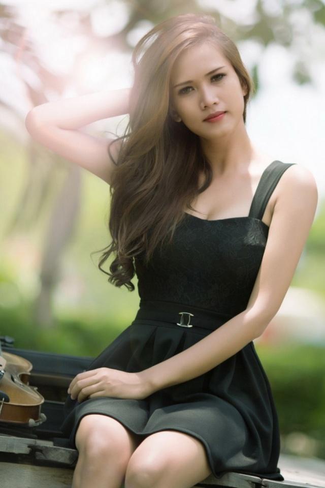 Violin Girl Mobile Wallpaper - Beautiful Girl With Violin , HD Wallpaper & Backgrounds