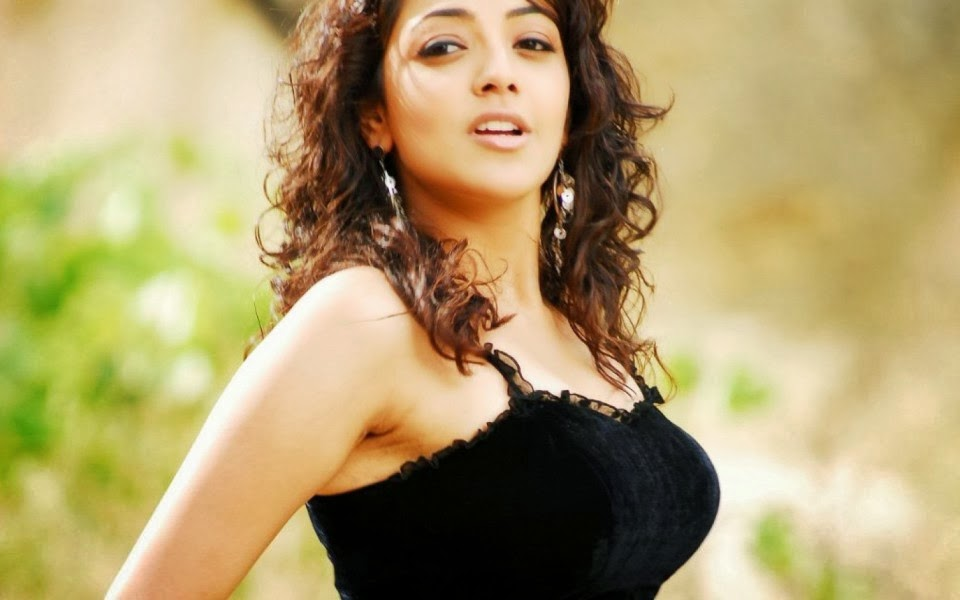 Most Beautiful Indian Girl Hd Wallpaper - Kajal Agarwal Hot Sexy , HD Wallpaper & Backgrounds