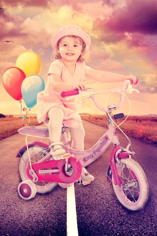 Baby Girl Mobile Wallpaper Mobiles Wall Paper Views - Happy Baby Girl , HD Wallpaper & Backgrounds