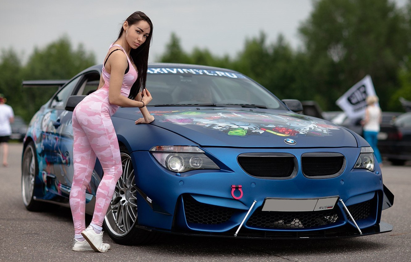 Photo Wallpaper Auto, Look, Girls, Bmw, Leaning On - Car Girl Wallpaper Bmw , HD Wallpaper & Backgrounds