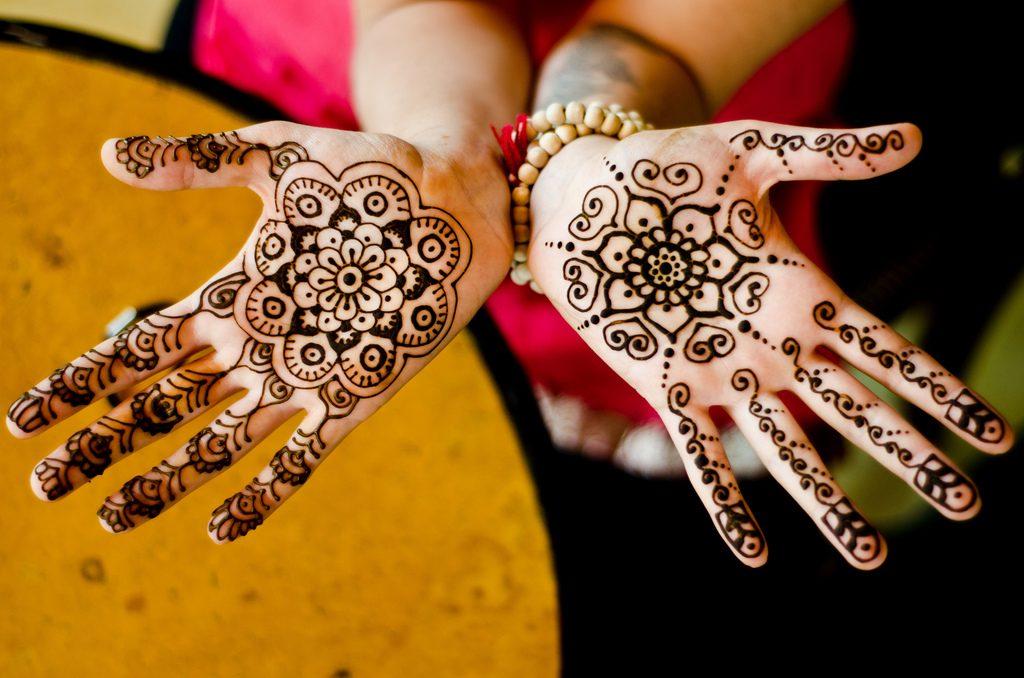 Henna Design 1 - Simple Holi Mehndi Design , HD Wallpaper & Backgrounds