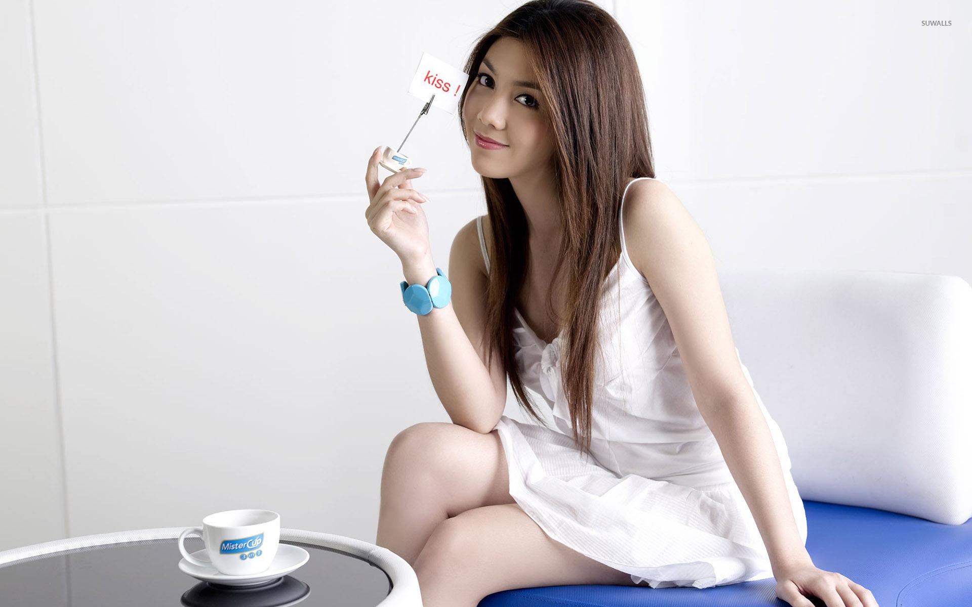 Cute White Asian Girl , HD Wallpaper & Backgrounds