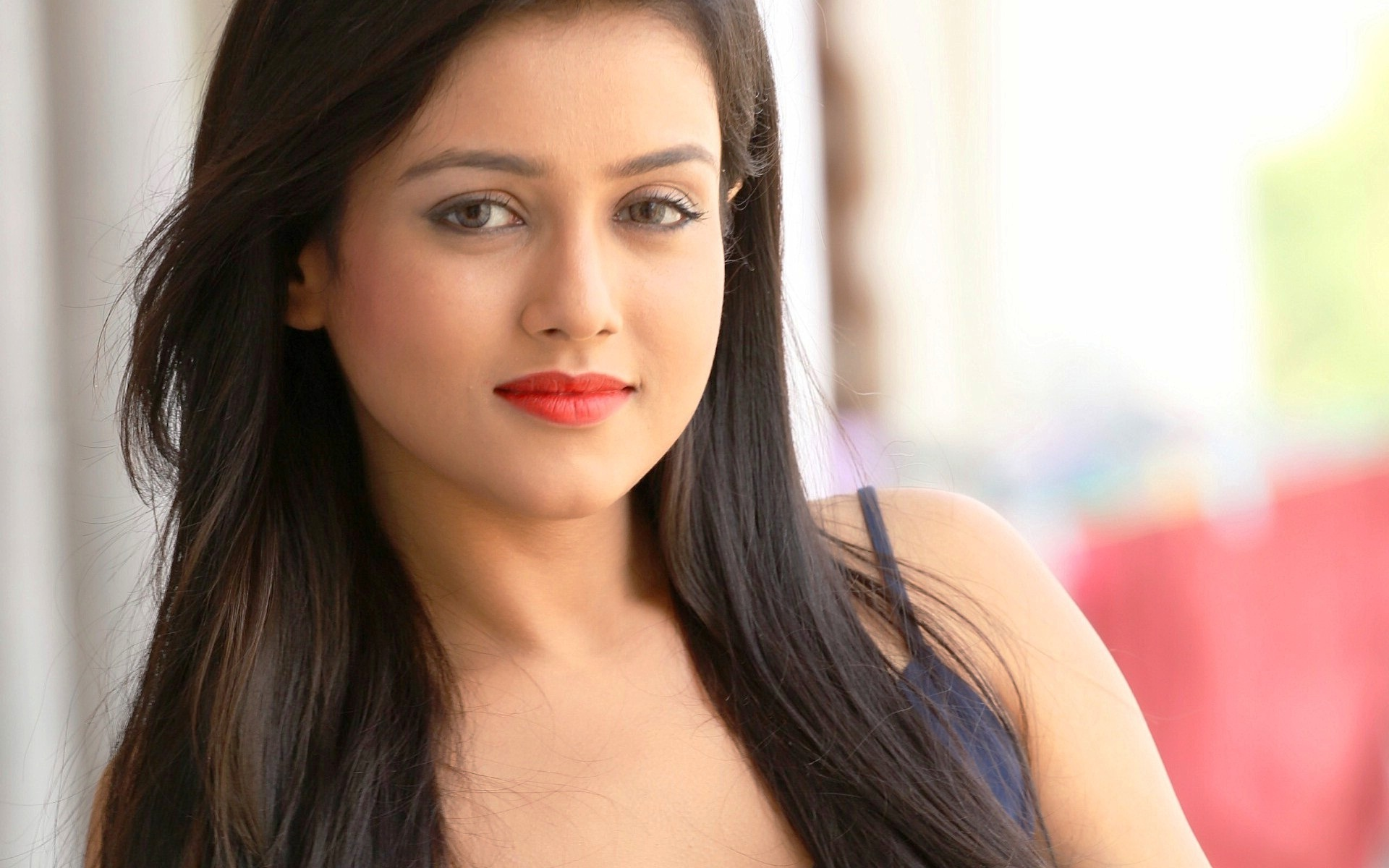 Most Beautiful And Pretty Girl New Wallpapers New Hd - Mishti Chakraborty , HD Wallpaper & Backgrounds