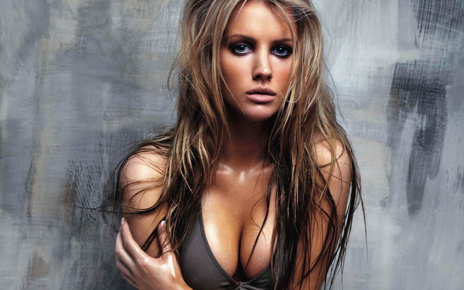 Hot Woman Wallpaper Ashley Mulheron 3242179 Hd Wallpaper Backgrounds Download