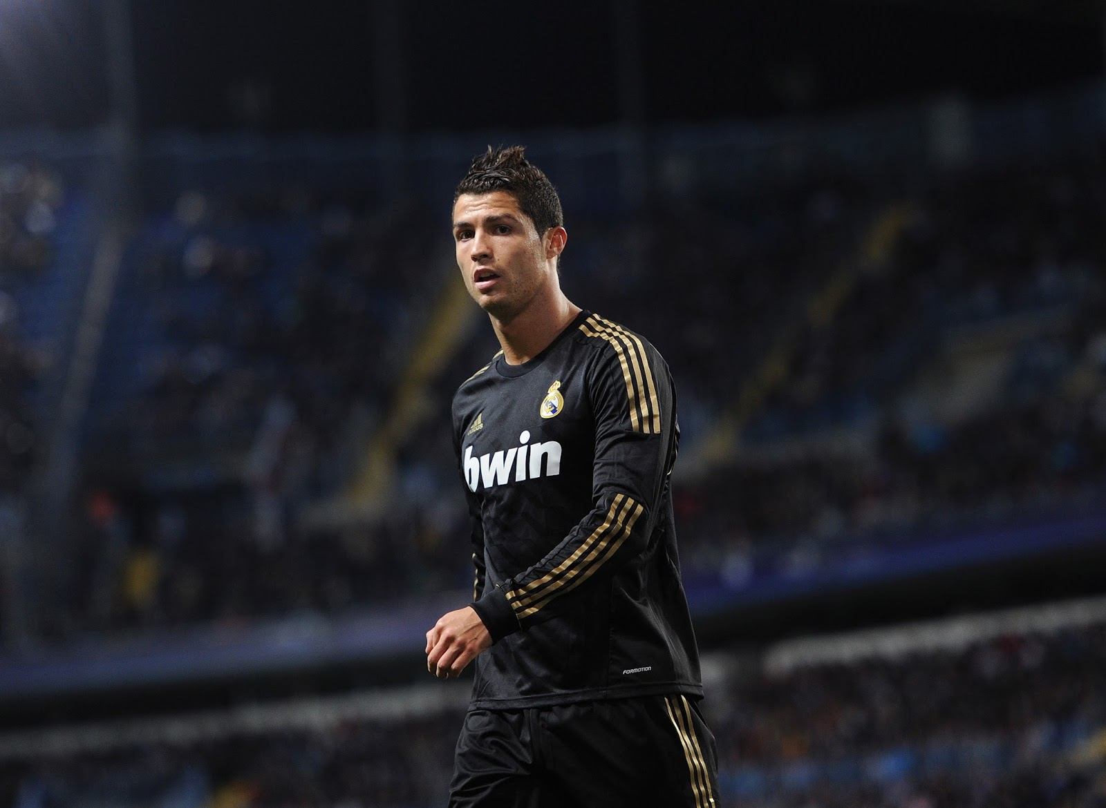 Best Football Player Cristiano Ronaldo , HD Wallpaper & Backgrounds