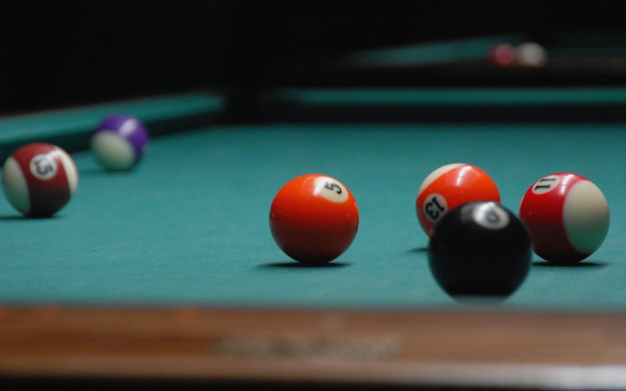 Billiard Balls On Table Wallpaper - Pool Table Background Png , HD Wallpaper & Backgrounds