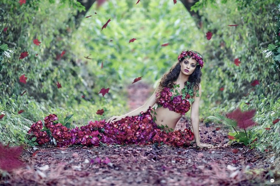 Woman, Beautiful, Flowers, Dress, Belly, Model, Leaves, - Nature Beautiful Wallpaper For Girls , HD Wallpaper & Backgrounds