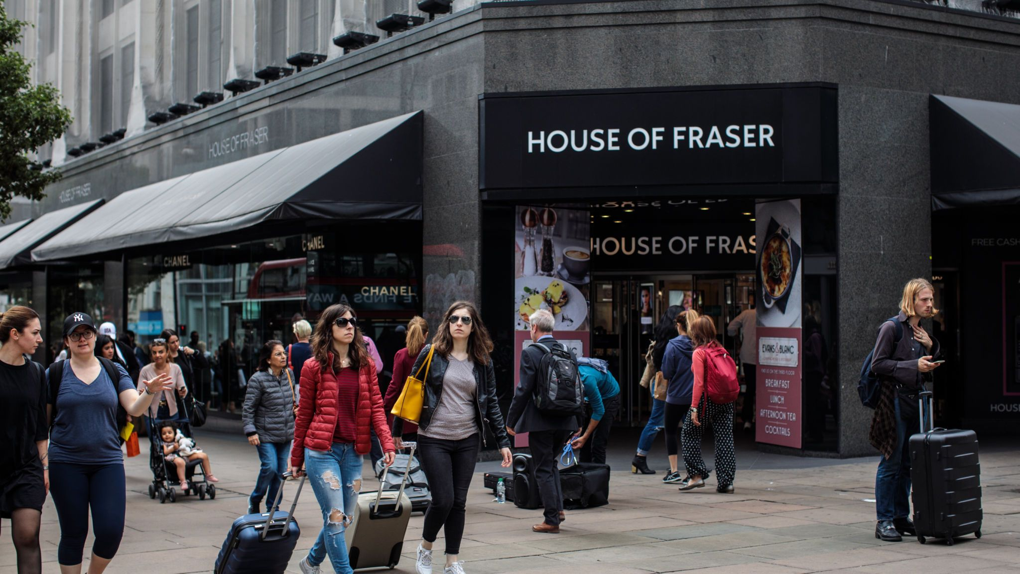 House Of Fraser Cancels Online Orders As Brands Consider - House Of Fraser Oxford Street , HD Wallpaper & Backgrounds