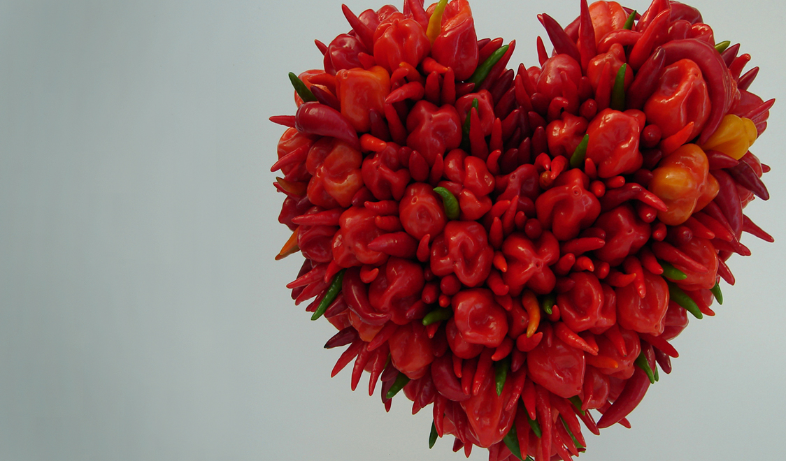 A Red Rich Heart Made Up Of Capsicum Chillies - Beautiful Pic In Flower , HD Wallpaper & Backgrounds