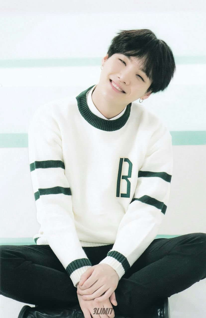 Bts Suga Wallpapers - Bts In Space Buns , HD Wallpaper & Backgrounds