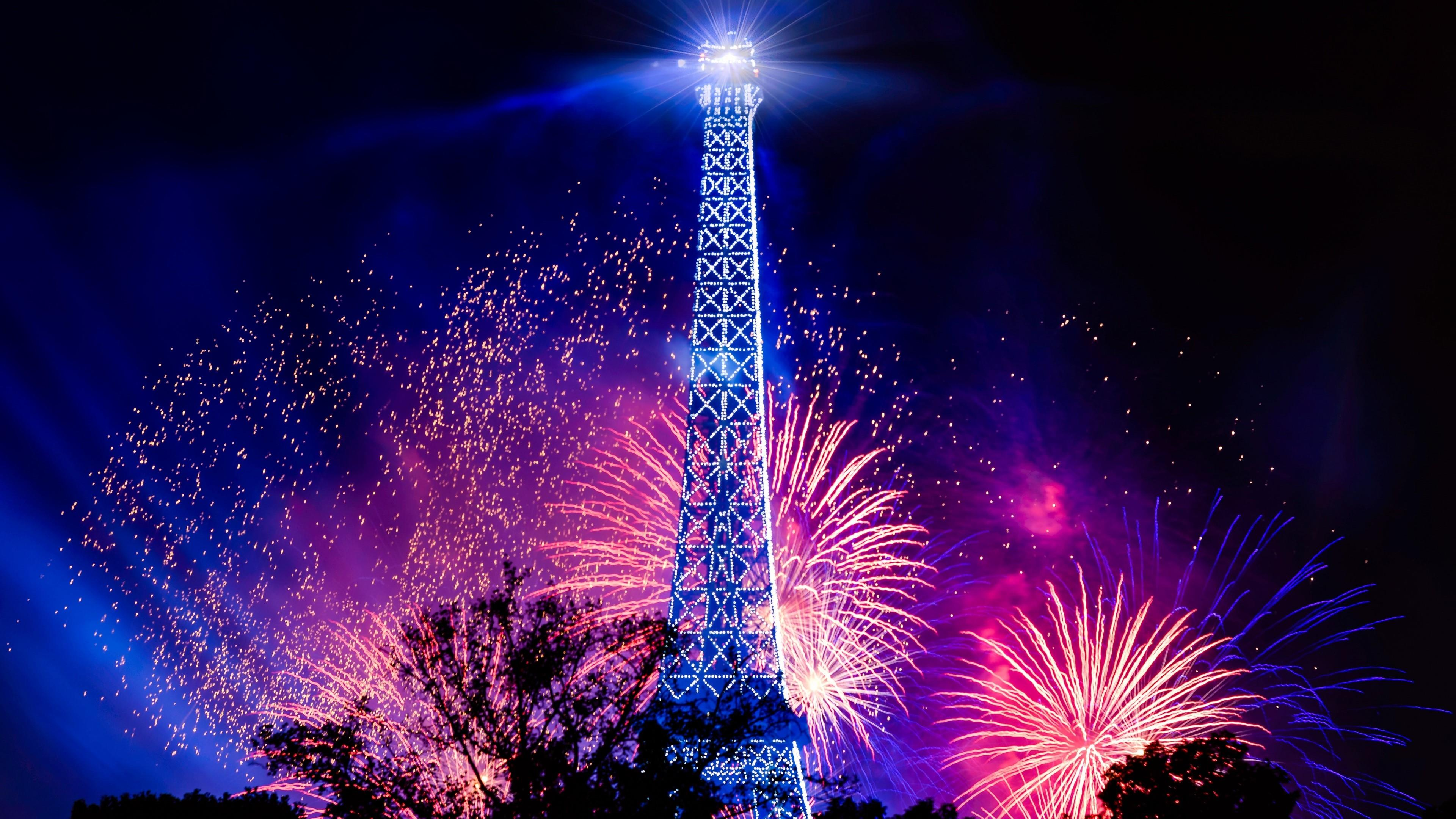 Fireworks At Eiffel Tower Wallpaper - Happy New Year 2019 Status , HD Wallpaper & Backgrounds