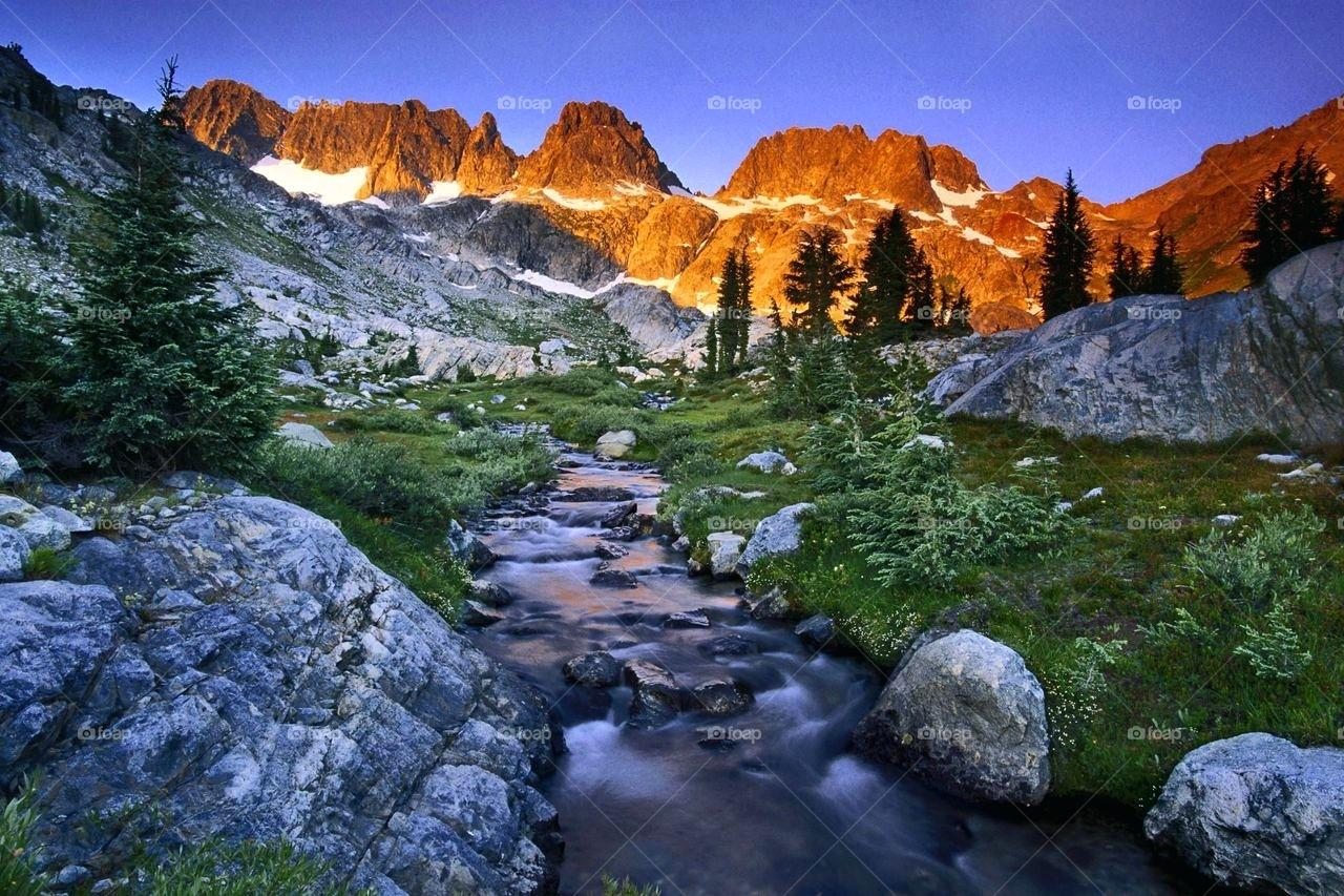 Love Natural Wallpaper Love - Stream In Mountains , HD Wallpaper & Backgrounds