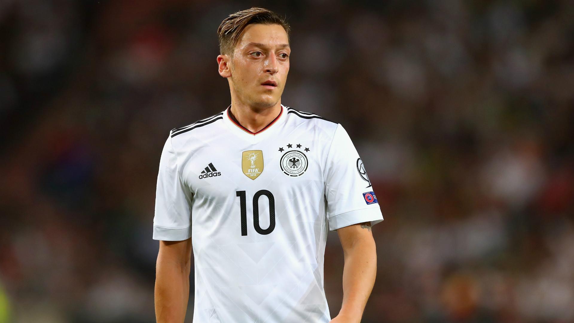 Mesut Ozil Germany - Toni Kroos Fifa World Cup 2018 , HD Wallpaper & Backgrounds