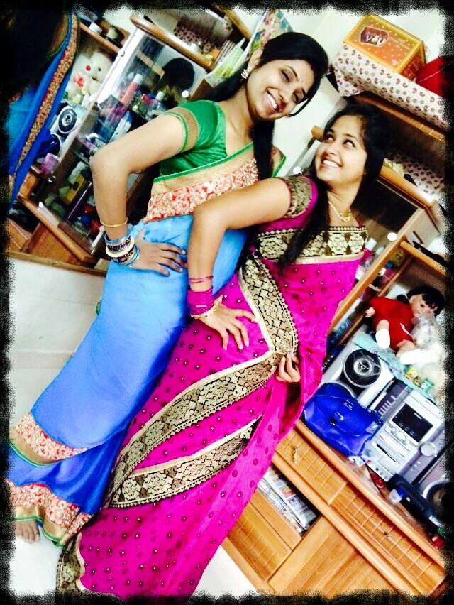 Kajal Raghwani Hd Wallpaper With Her Sister - Kajal Raghwani Photo Hd 2017 , HD Wallpaper & Backgrounds