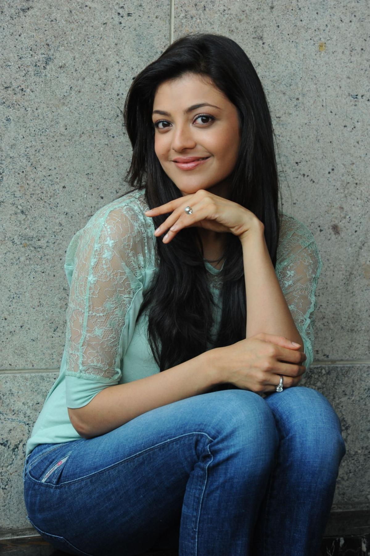 Kajal Hd Photos Wallpaper - Telugu Heroine Kajal , HD Wallpaper & Backgrounds