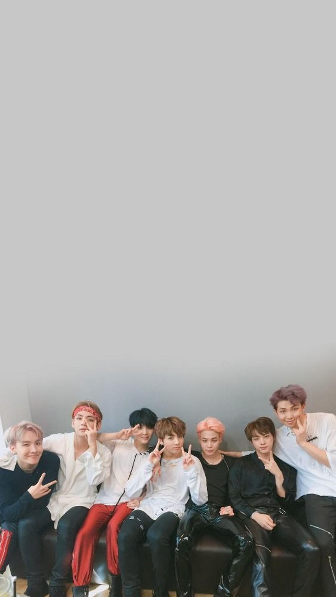 Look At Them Bts Lockscreen Group 452844 Hd Wallpaper