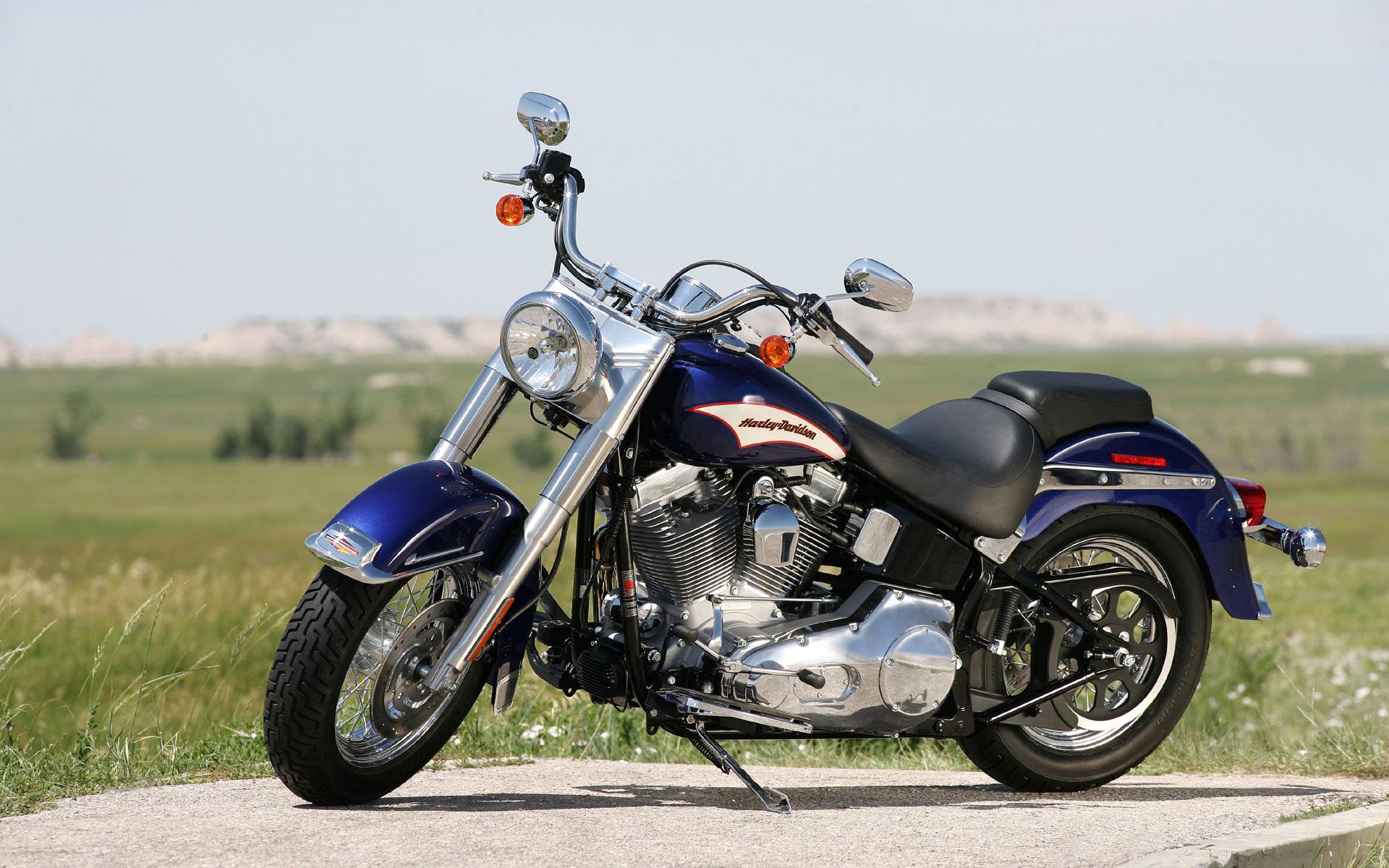 Harley Davidson Bike Hd Wallpapers New Wallpapers