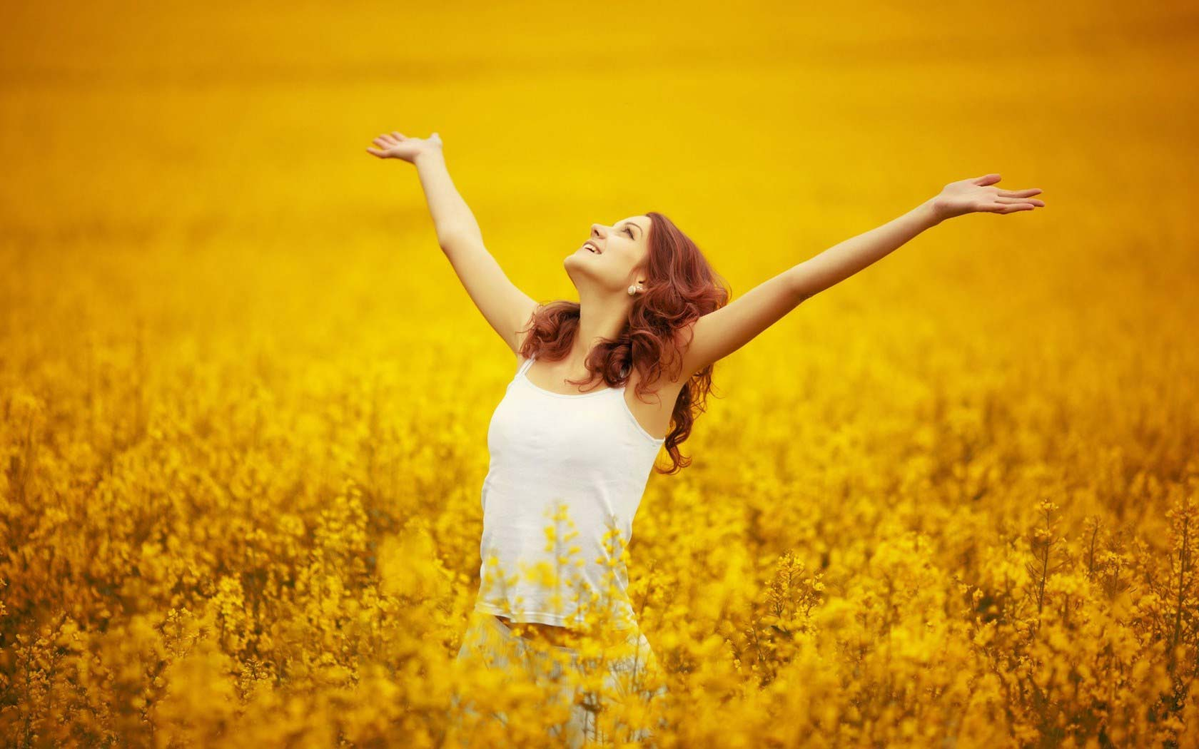 Girl Flowers Yellow Field Nature Hd Wallpaper - Happy Girl With Flowers , HD Wallpaper & Backgrounds