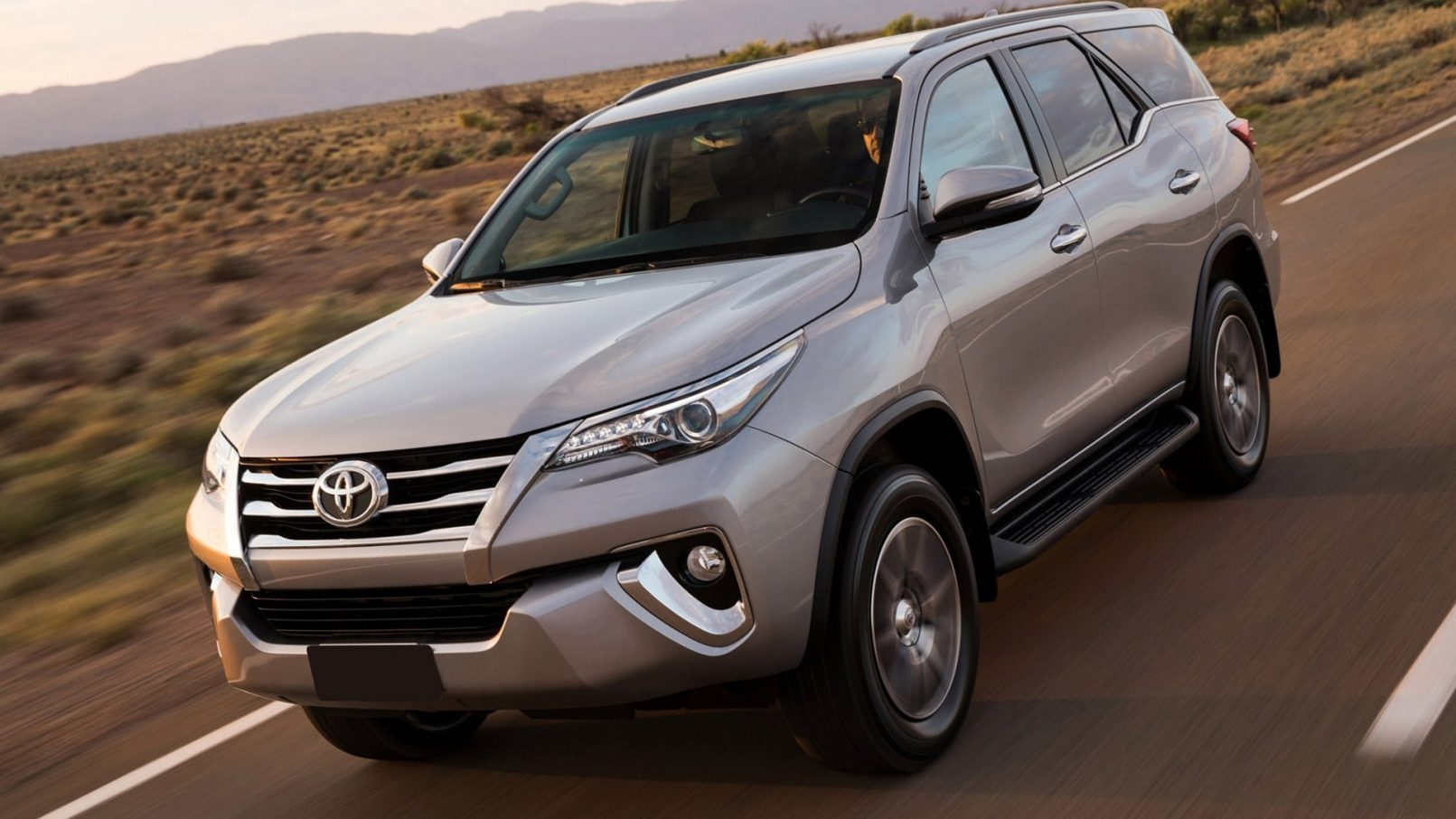 2019 Toyota Fortuner Front Hd Wallpapers - Toyota Fortuner , HD Wallpaper & Backgrounds