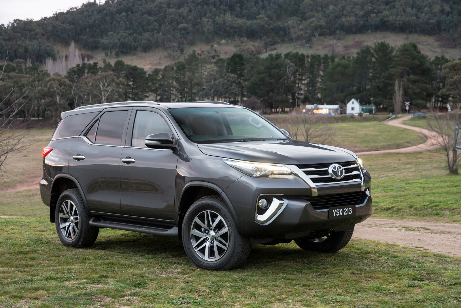 2018 Toyota Fortuner - Toyota 4 * 4 2018 , HD Wallpaper & Backgrounds