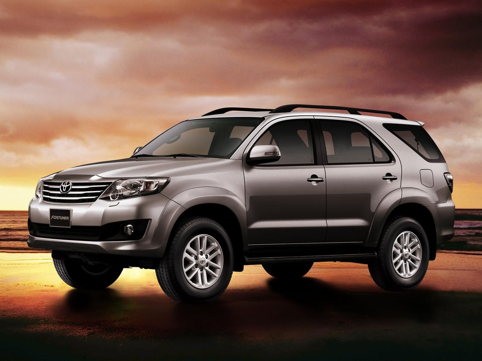 Toyota Fortuner Hd Wallpaper - Toyota Fortuner 2015 Hd , HD Wallpaper & Backgrounds