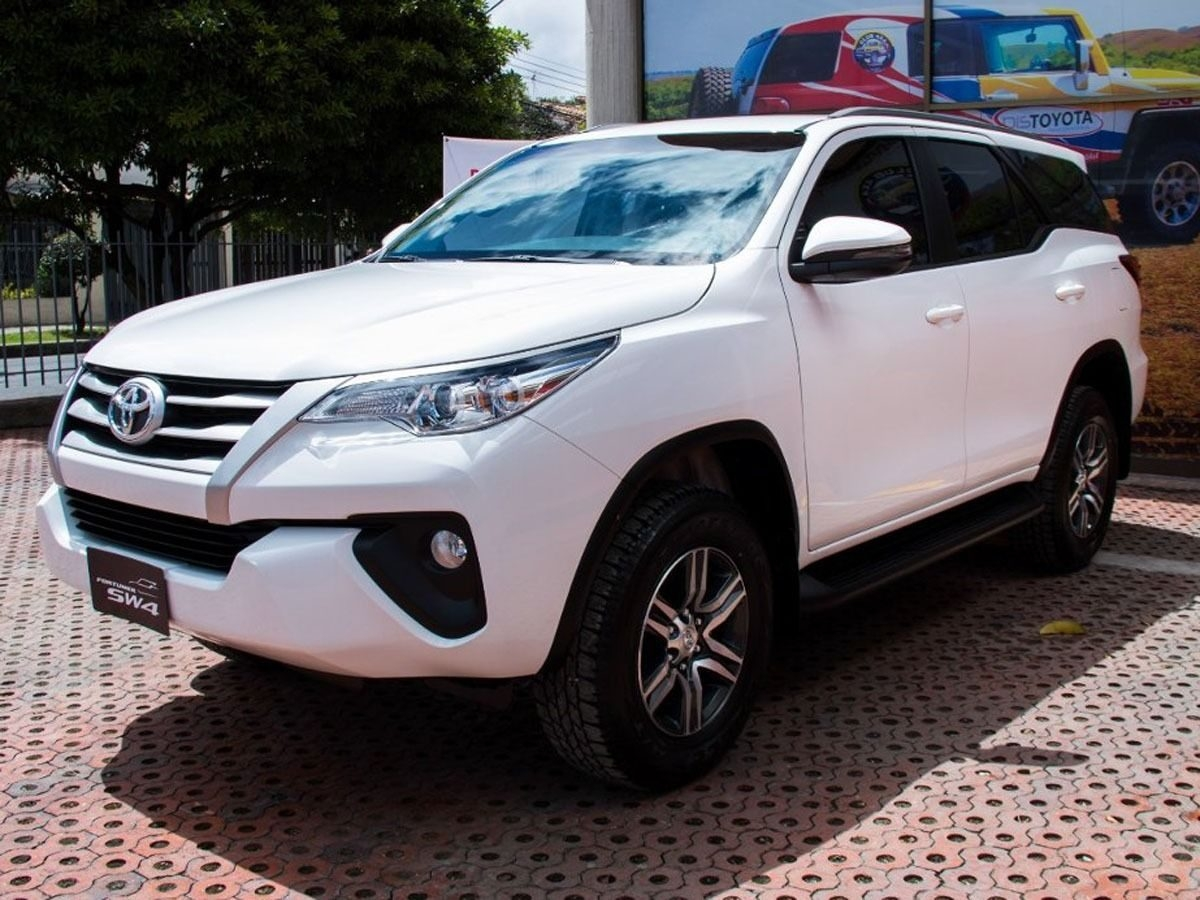 Photo Gallery Of The Toyota Fortuner 2019 Wallpaper - Toyota Fortuner 2019 Precio , HD Wallpaper & Backgrounds