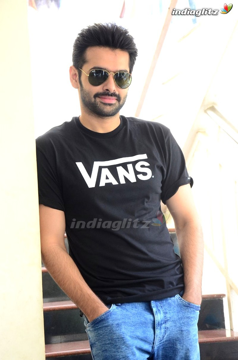 8 / 439 Ram - Ram South Indian Hero , HD Wallpaper & Backgrounds