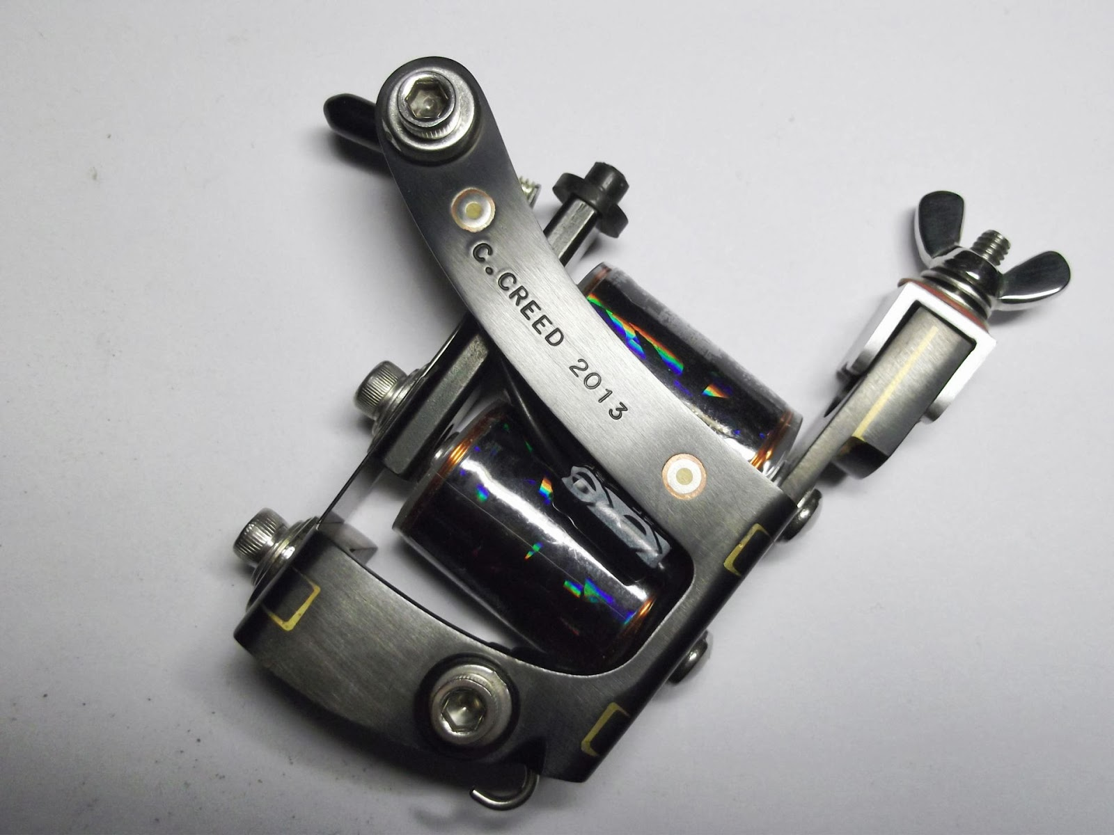 Jolly Magnum With Hand Worked Tri-color Inlays Into - Colin Creed Tattoo Machines , HD Wallpaper & Backgrounds