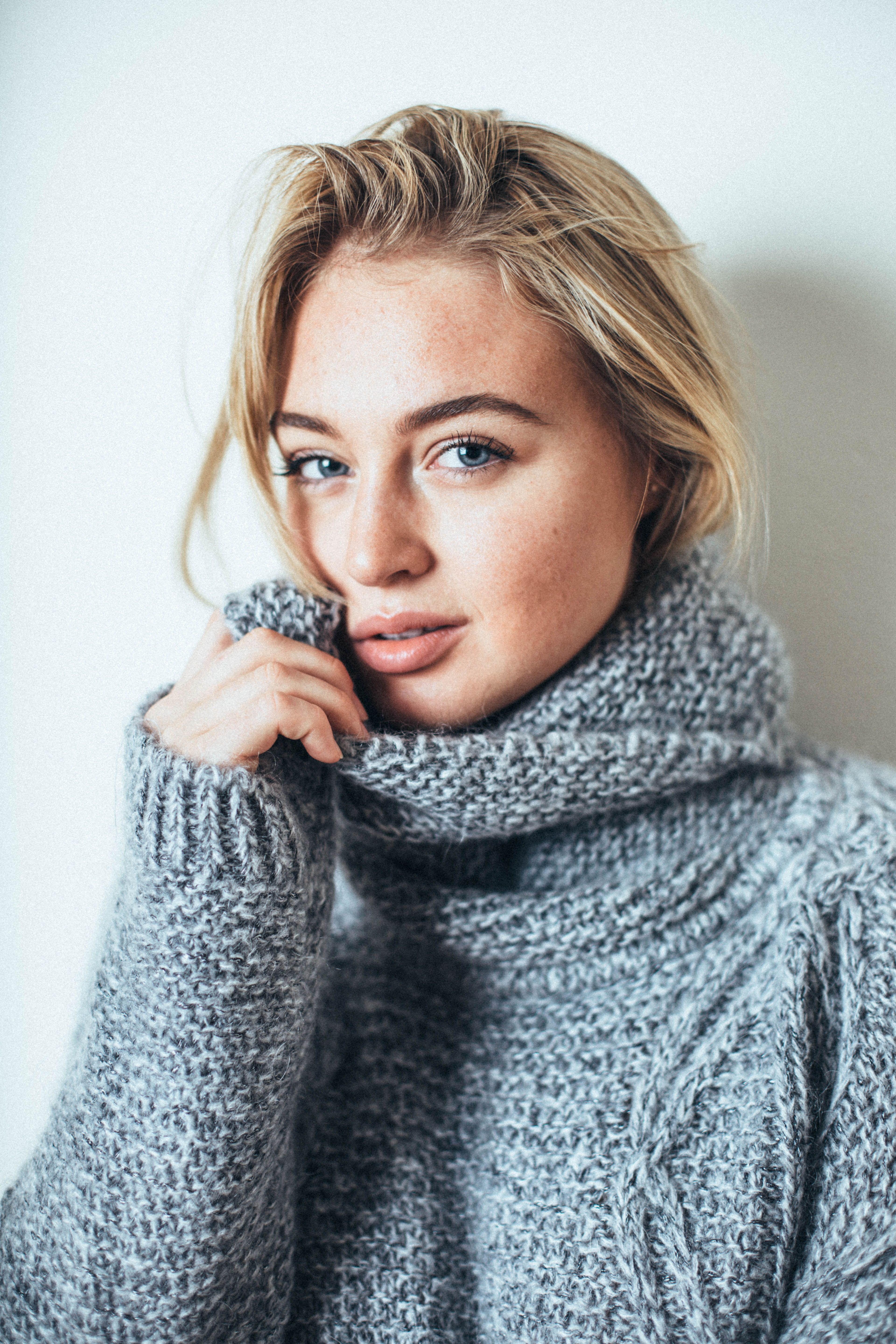 Model Iskra Lawrence Photography By James Badou - Iskra Lawrence Iphone , HD Wallpaper & Backgrounds