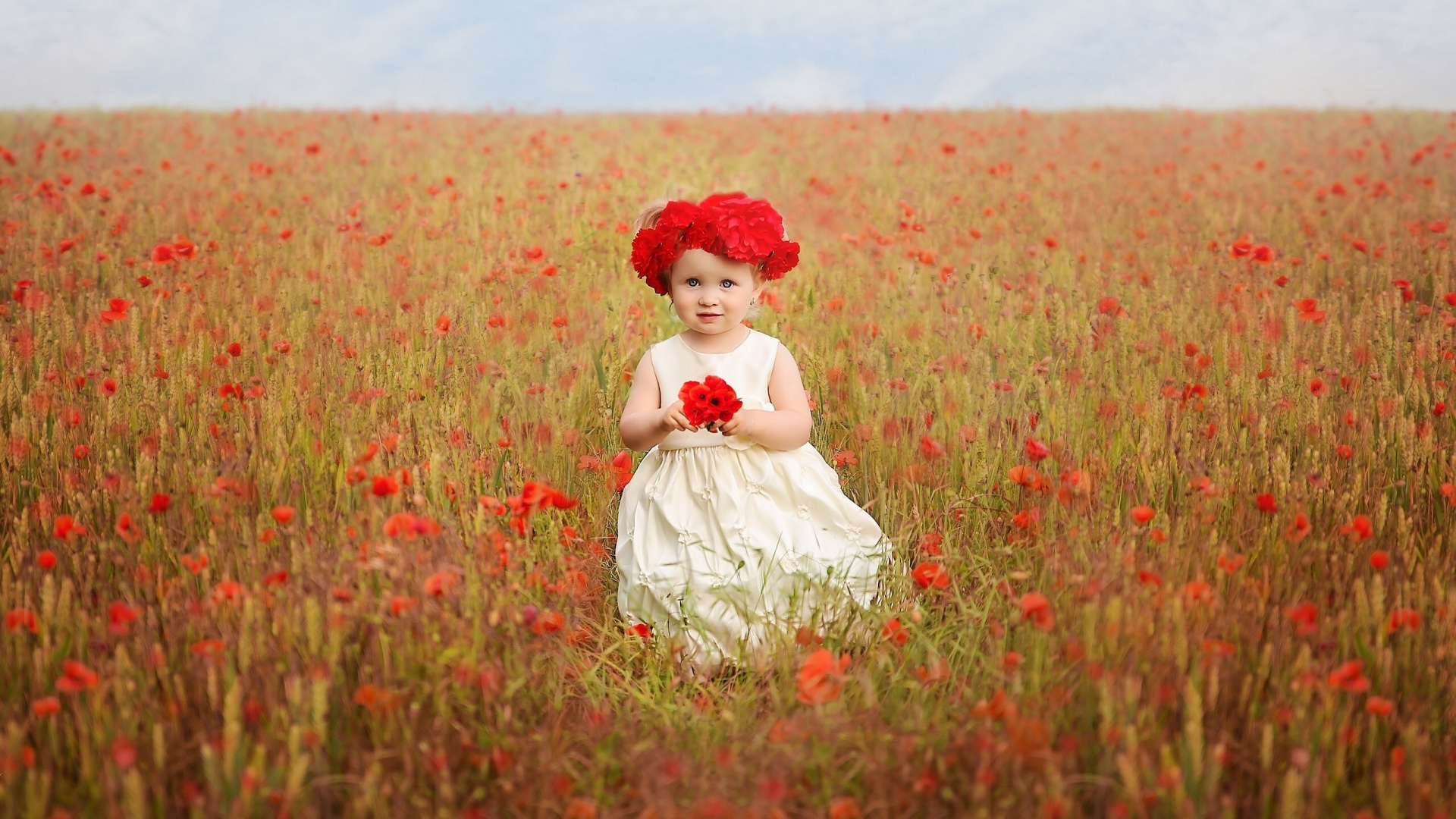 Wallpaper Cute Baby Girl In Poppy Field - Cute Baby Girls Hd Wallpaper For Laptop , HD Wallpaper & Backgrounds