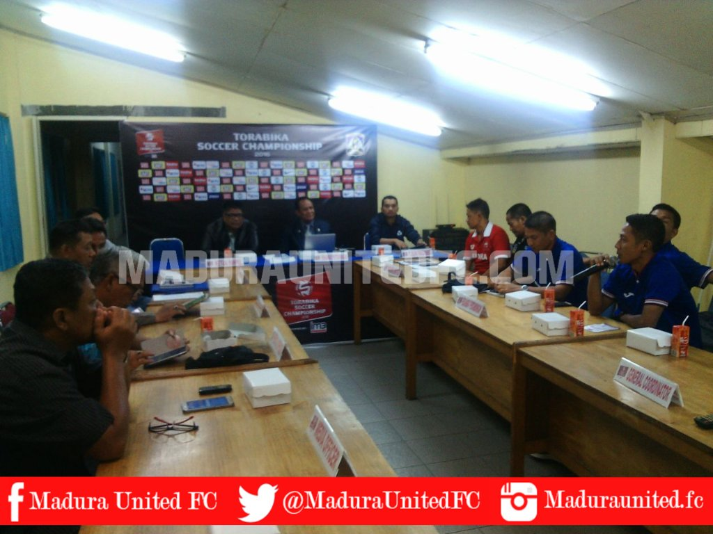Madura United Fc Twitter Debate HD