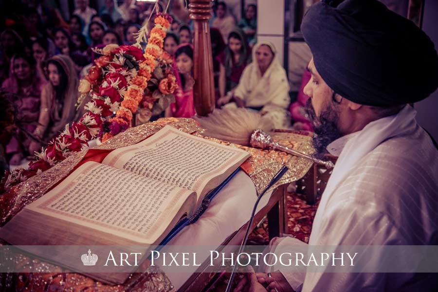 Punjabi Wedding Couple Wallpapers - Sikh Wedding Candid Photography , HD Wallpaper & Backgrounds