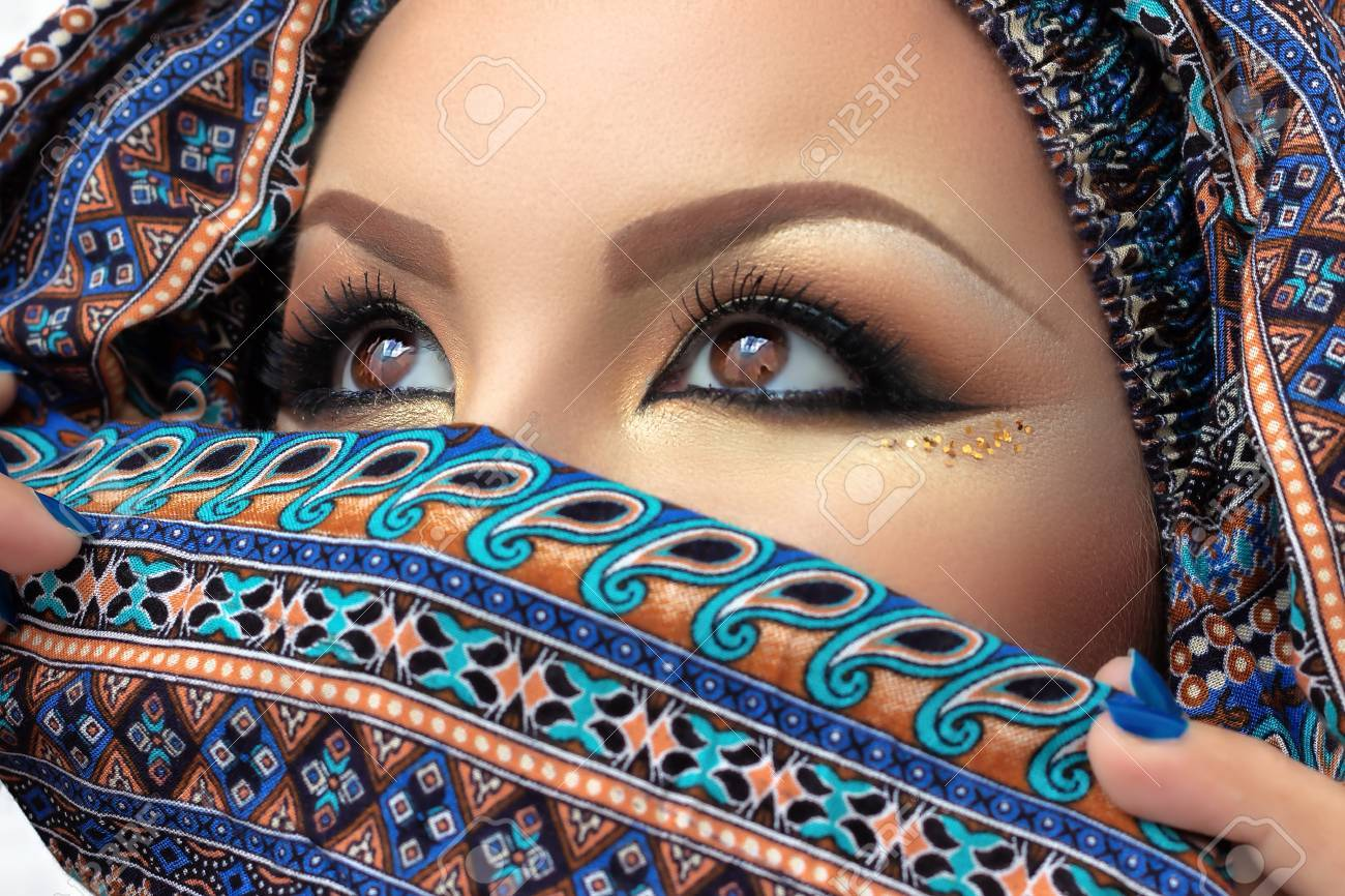 Beautiful Arabic Eye Veil Wallpaper Turquoise Eye Makeup Arabian 542597 Hd Wallpaper Backgrounds Download