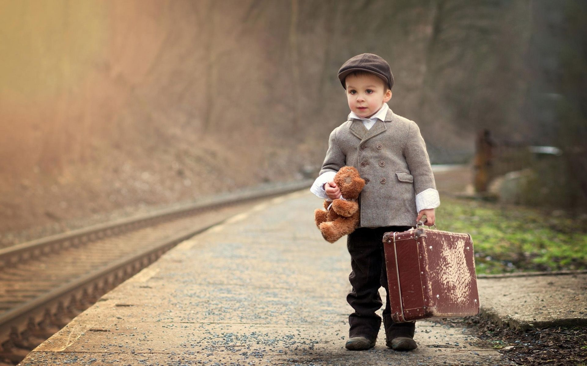 Stylish Little Boys Hd 4k Wallpapers Boy With A Suitcase 554337 Hd Wallpaper Backgrounds Download