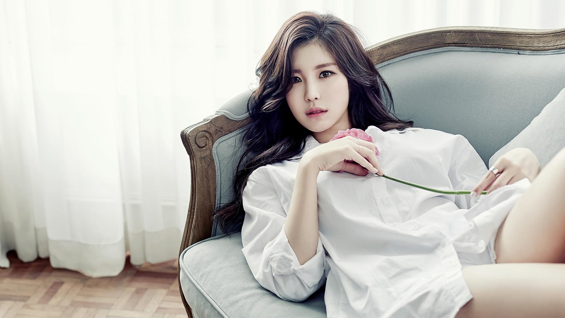 Korean Girl Wallpaper - Pretty South Korean Girl , HD Wallpaper & Backgrounds