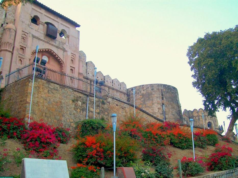 Jhansi Travel Guide At Wikivoyage - Jhansi Tour , HD Wallpaper & Backgrounds