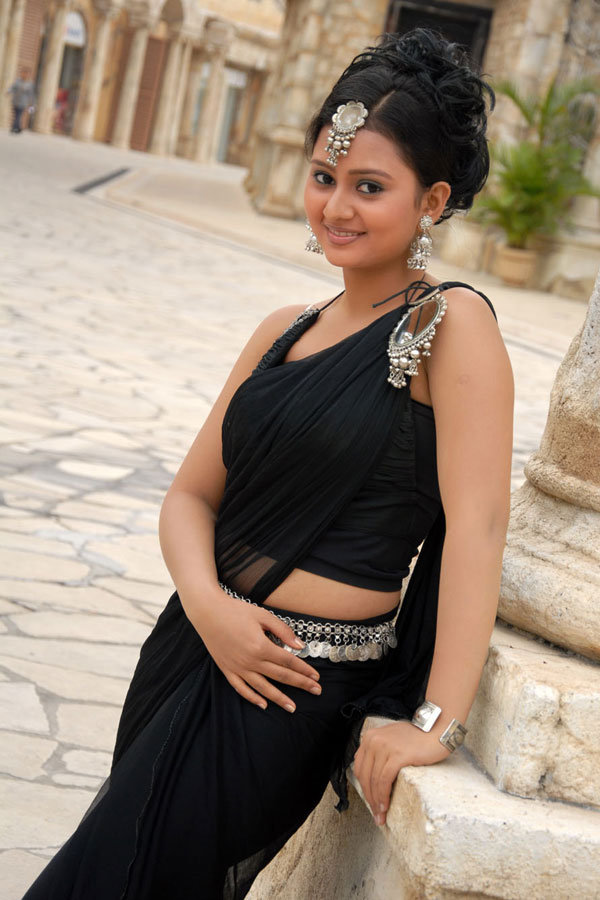 Amulya Cute Wallpapers - Kannada Actresses Hot Sexy , HD Wallpaper & Backgrounds