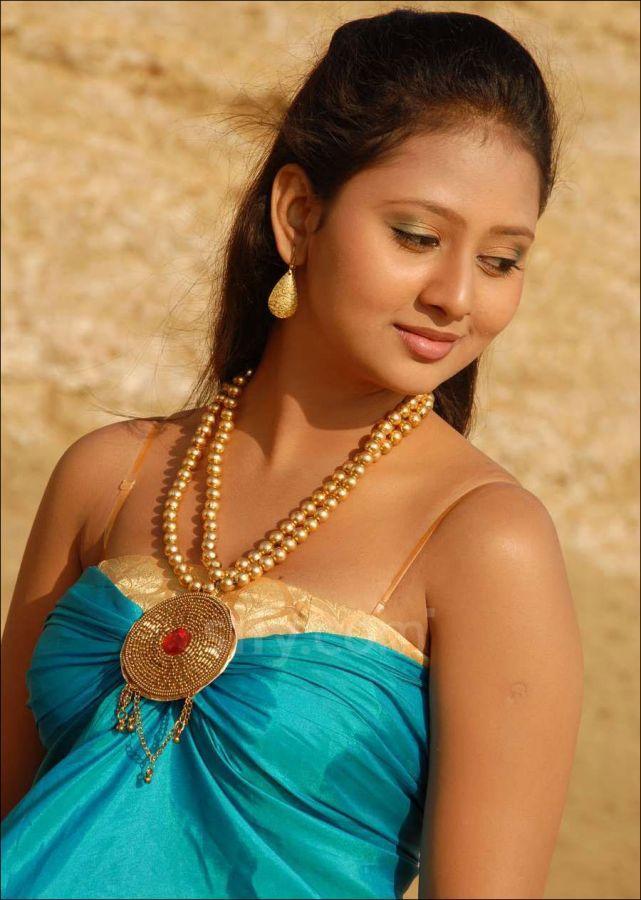 Amulya - Amulya All , HD Wallpaper & Backgrounds